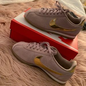 Nike Cortez. Gold and Rose Gold.